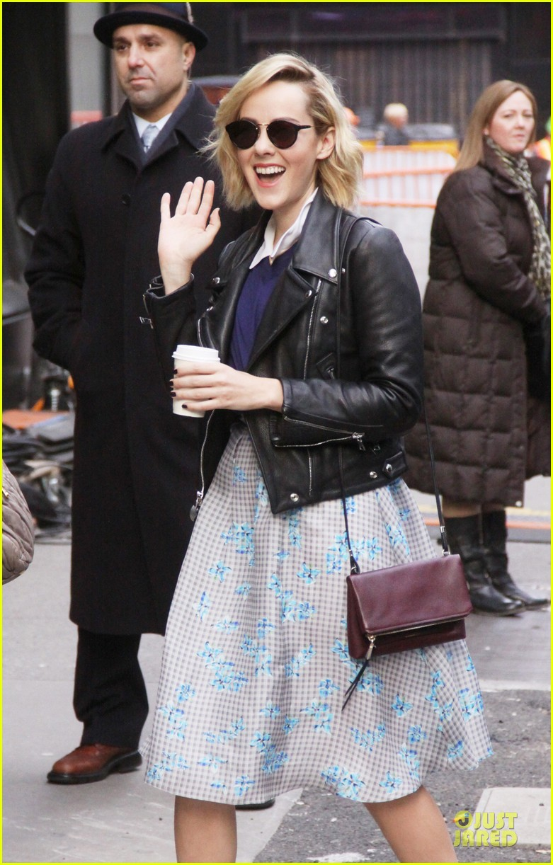 jena malone sam claflin promotes catching fire on gma 182993950