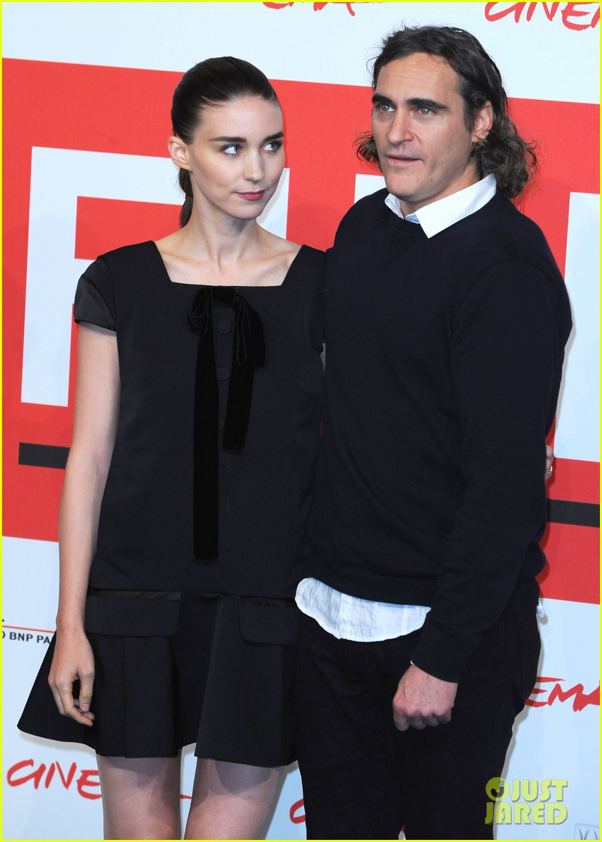 rooney mara joaquin phoenix her rome photo call 082989652