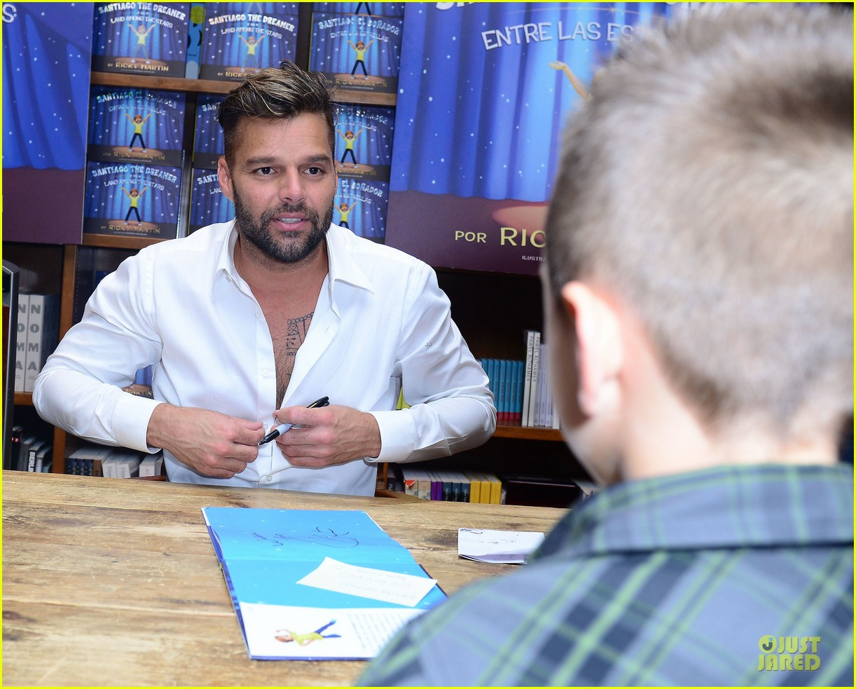 ricky martin flashes chest hair for santiago signing 042994116