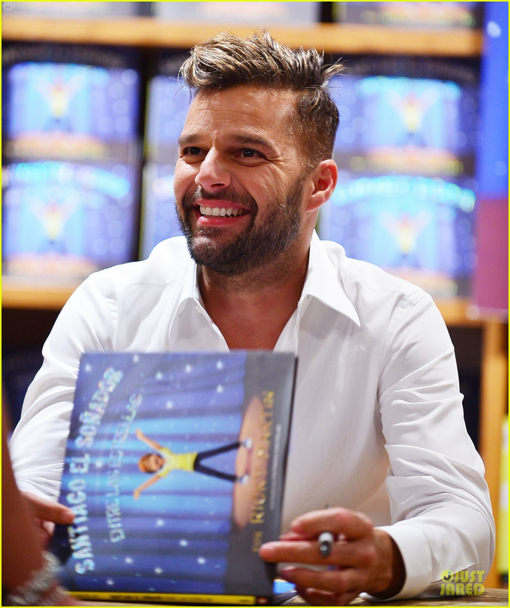 Ricky Martin Flashes Chest Hair For Santiago Signing Photo