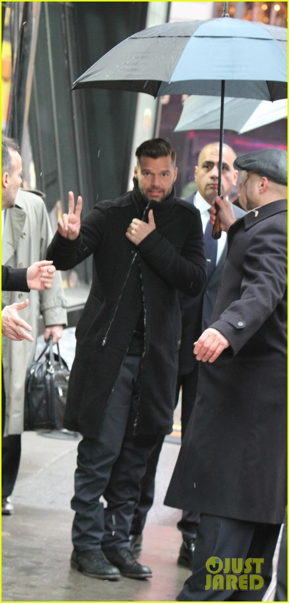 ricky martin santiago the dreamer book signing 022991567