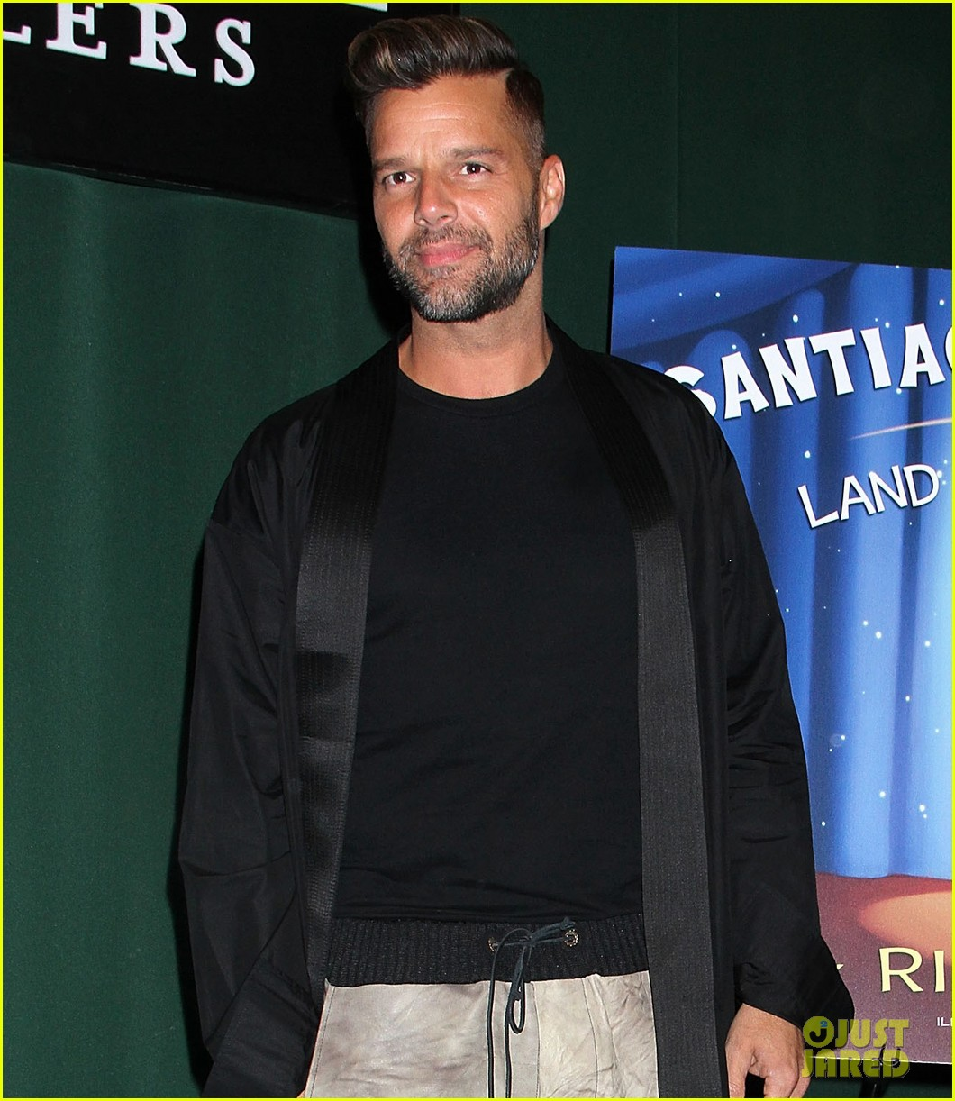 ricky martin santiago the dreamer book signing 092991574