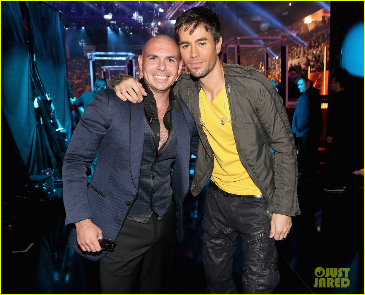 ricky martin enrique iglesias latin grammy awards 2013 032998017