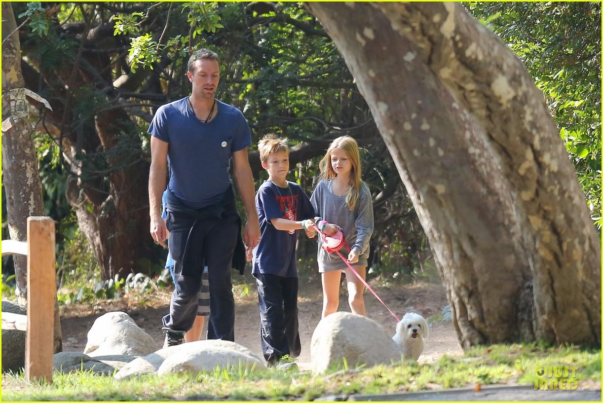 chris martin stroll with kids after kanye west concert 022986658