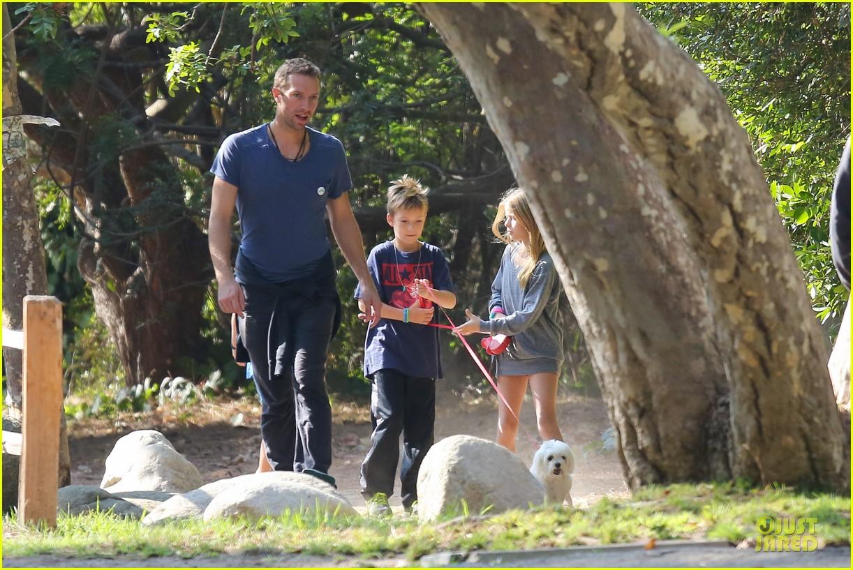 chris martin stroll with kids after kanye west concert 132986669