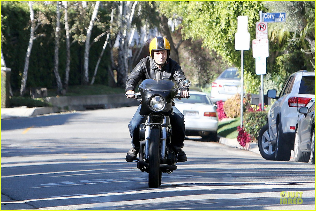 olivier martinez fender bender in studio city 093000284