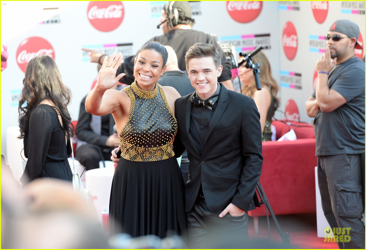 jesse mccartney amas 2013 red carpet 072999192