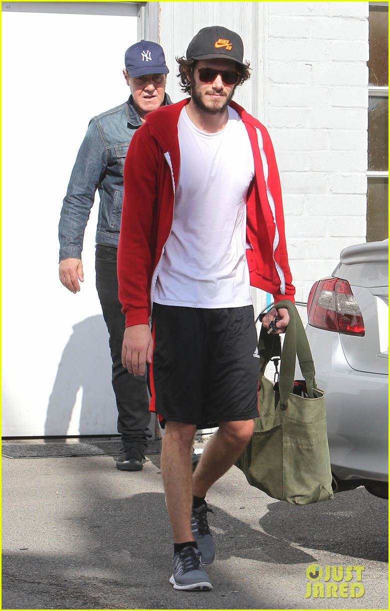 leighton meester adam brody step out after engagement 162997534
