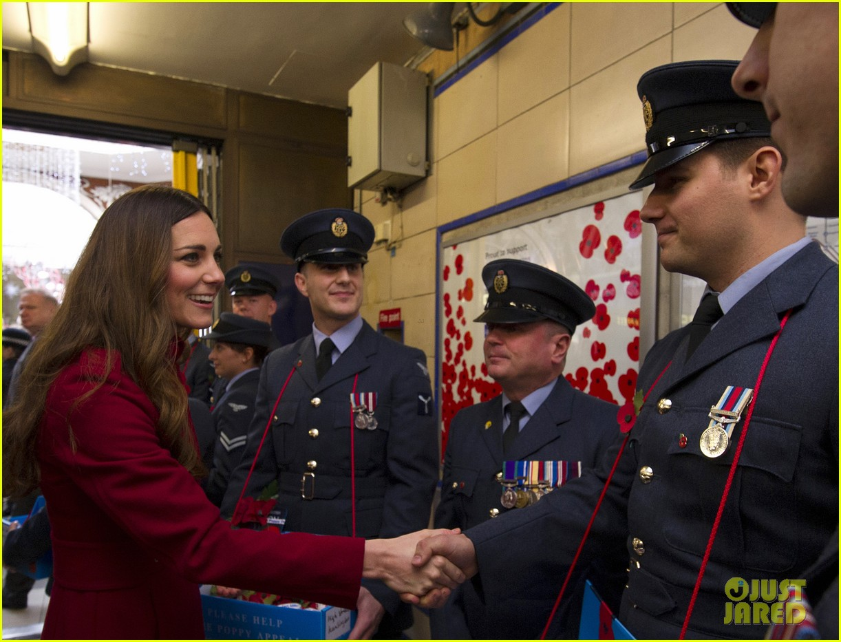 kate middleton prince william poppy day appeal 132987516