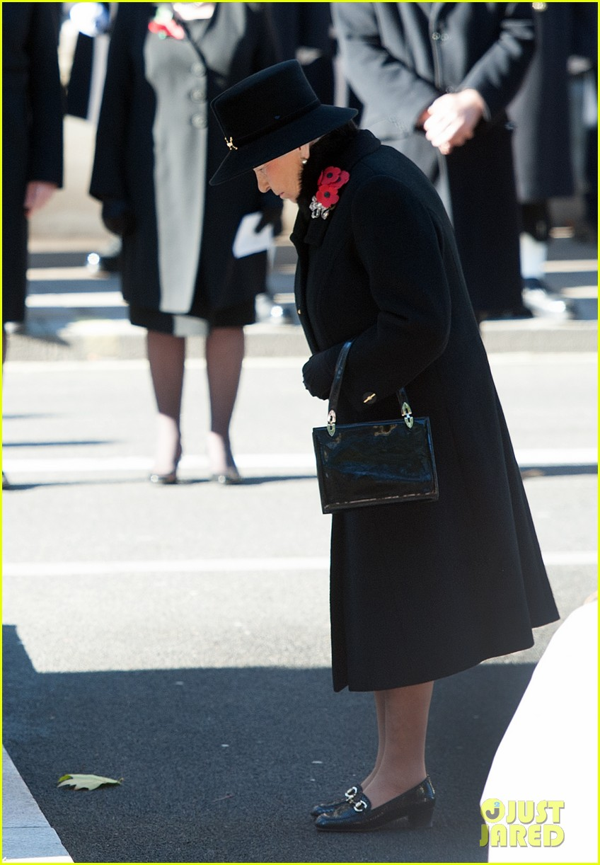 kate middleton prince william remembrance sunday sevice 02