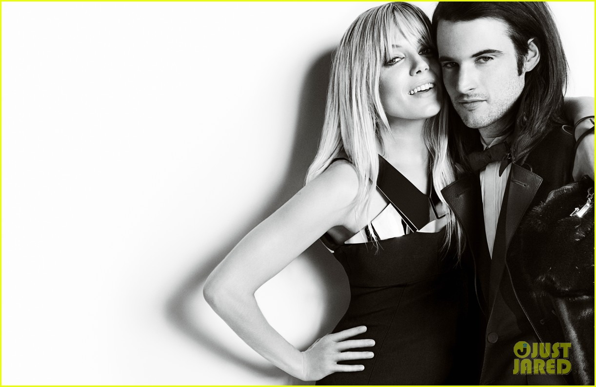 sienna miller tom sturridge burberry holiday campaign 012988451