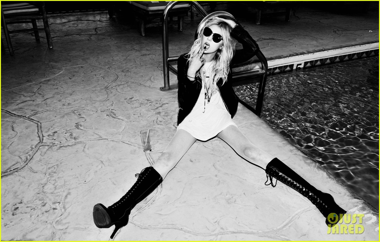 taylor momsen sexy photo shoot justjared exclusive 023002023
