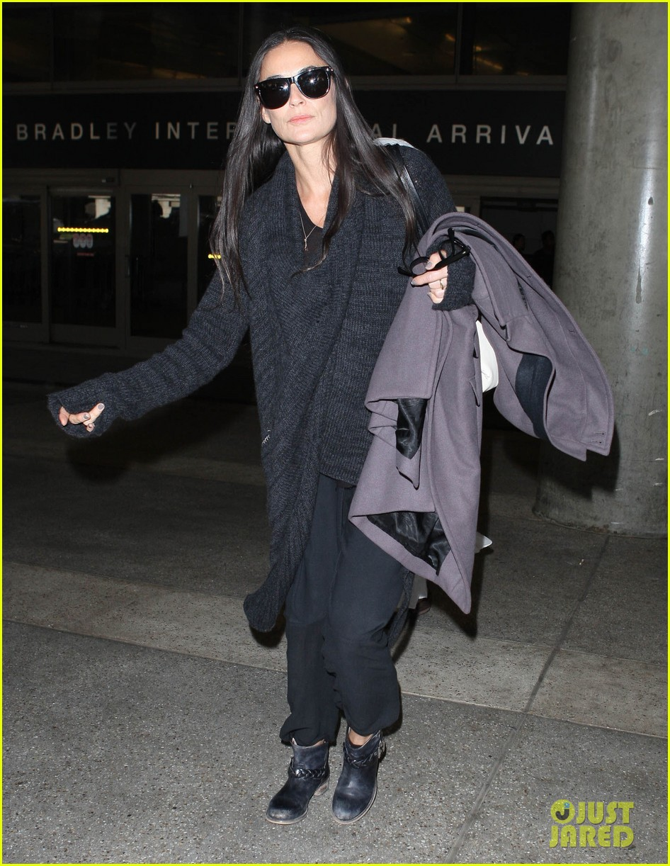 demi moore lands in america after spiritual retreat 062985943
