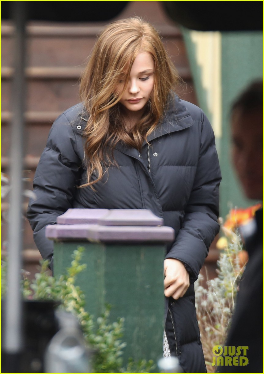 chloe moretz first day on if i stay set 06
