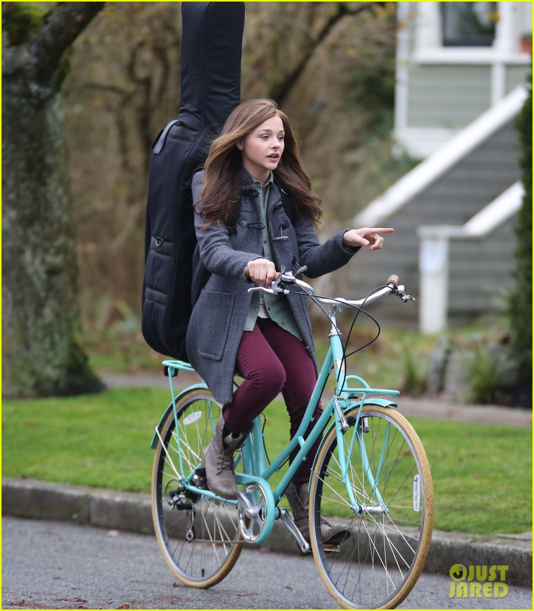 chloe moretz all smiles on if i stay set 132993294