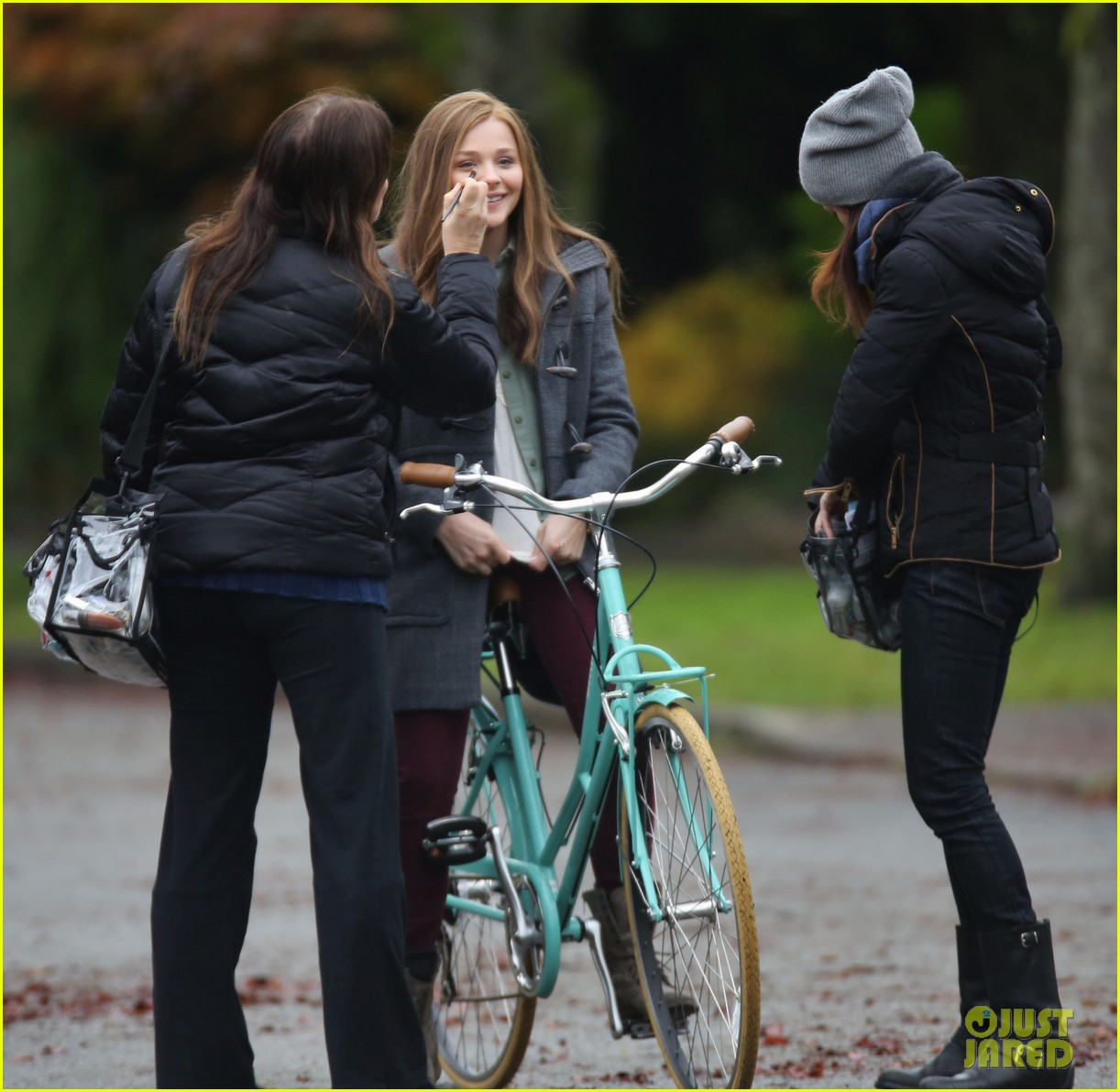 chloe moretz all smiles on if i stay set 142993295