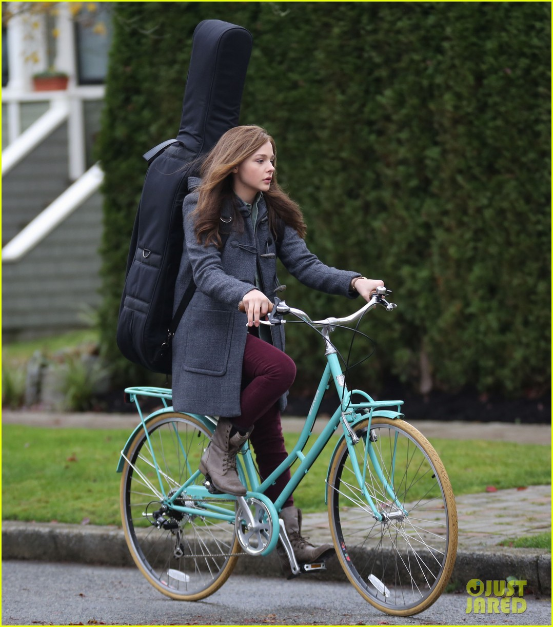 chloe moretz all smiles on if i stay set 232993304