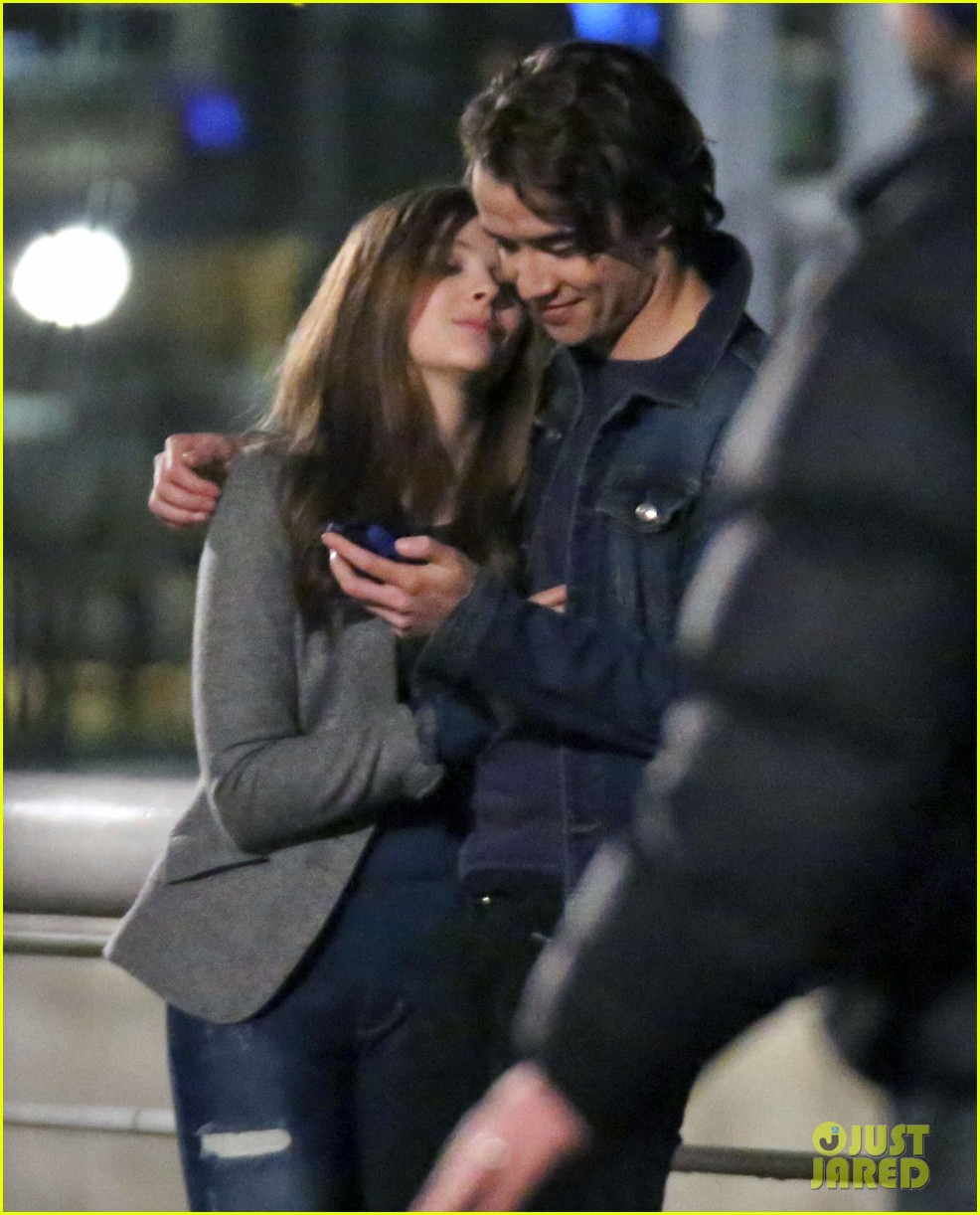 chloe moretz kisses co star jamie blackley on set 063001230