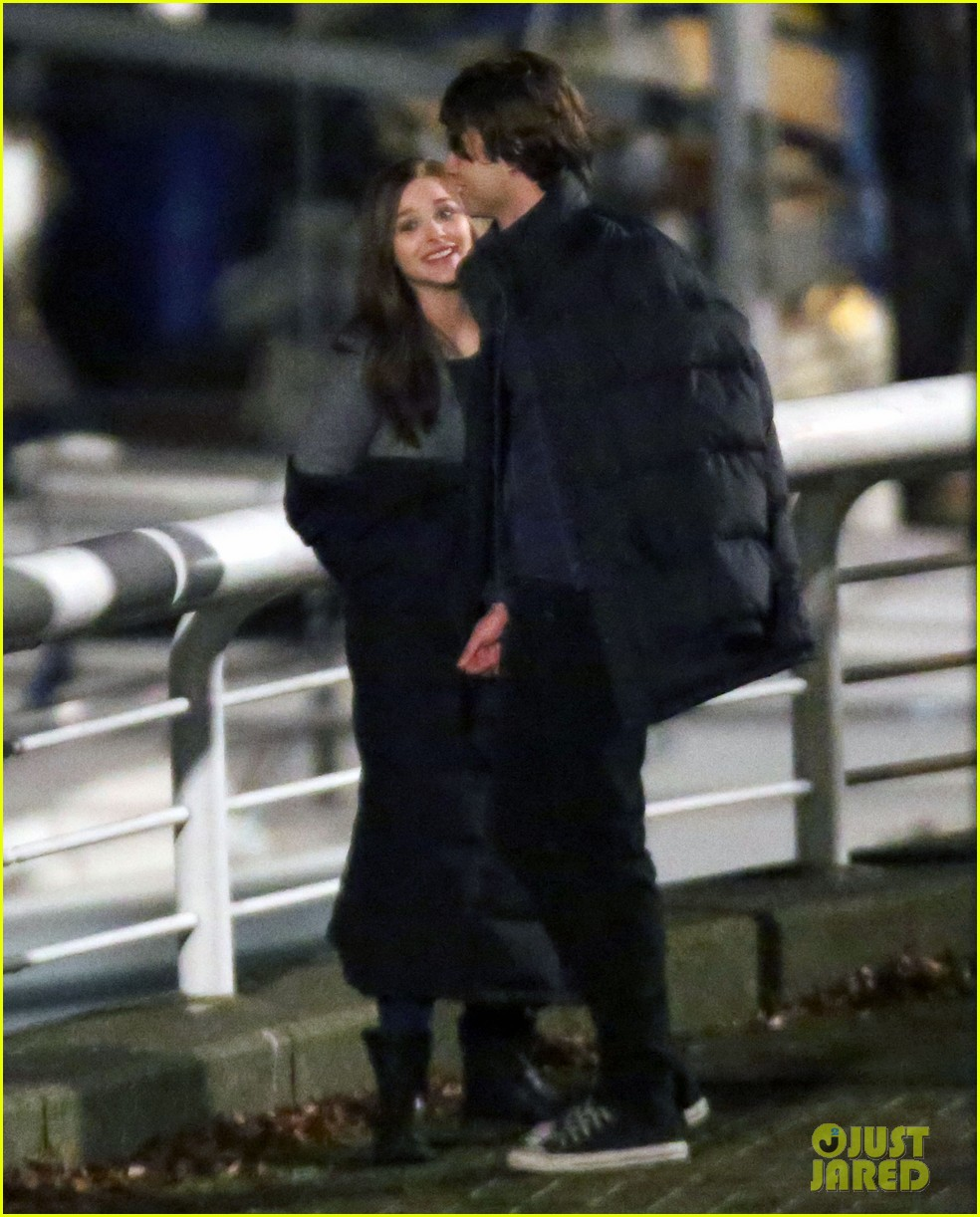 chloe moretz kisses co star jamie blackley on set 133001237