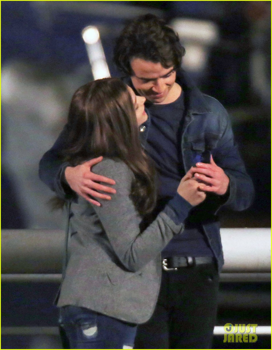 chloe moretz kisses co star jamie blackley on set 243001248