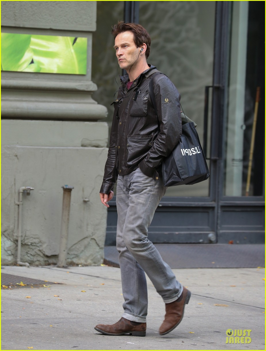 stephen moyer sound of music first look pics 032984909