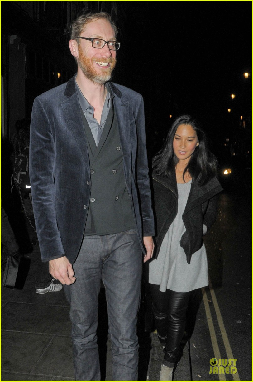 olivia munn groucho club with stephen merchant 042994054