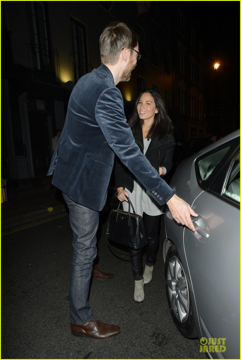 olivia munn groucho club with stephen merchant 052994055