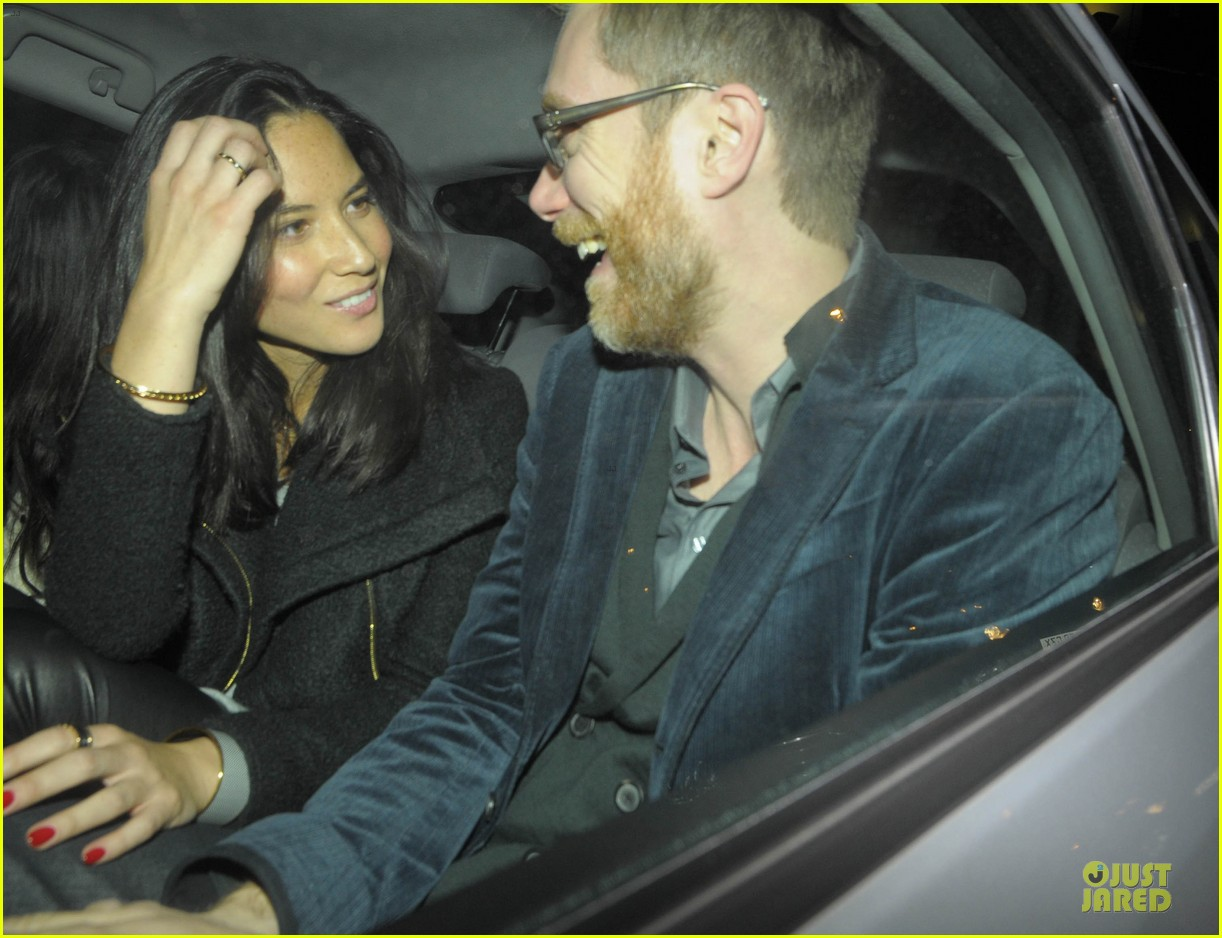 olivia munn groucho club with stephen merchant 082994058
