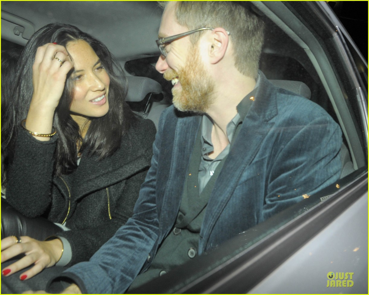 olivia munn groucho club with stephen merchant 092994059