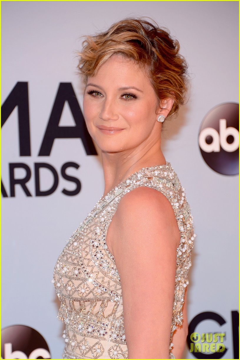 jennifer nettles kacey musgraves cmt awards 2013 red carpet 08