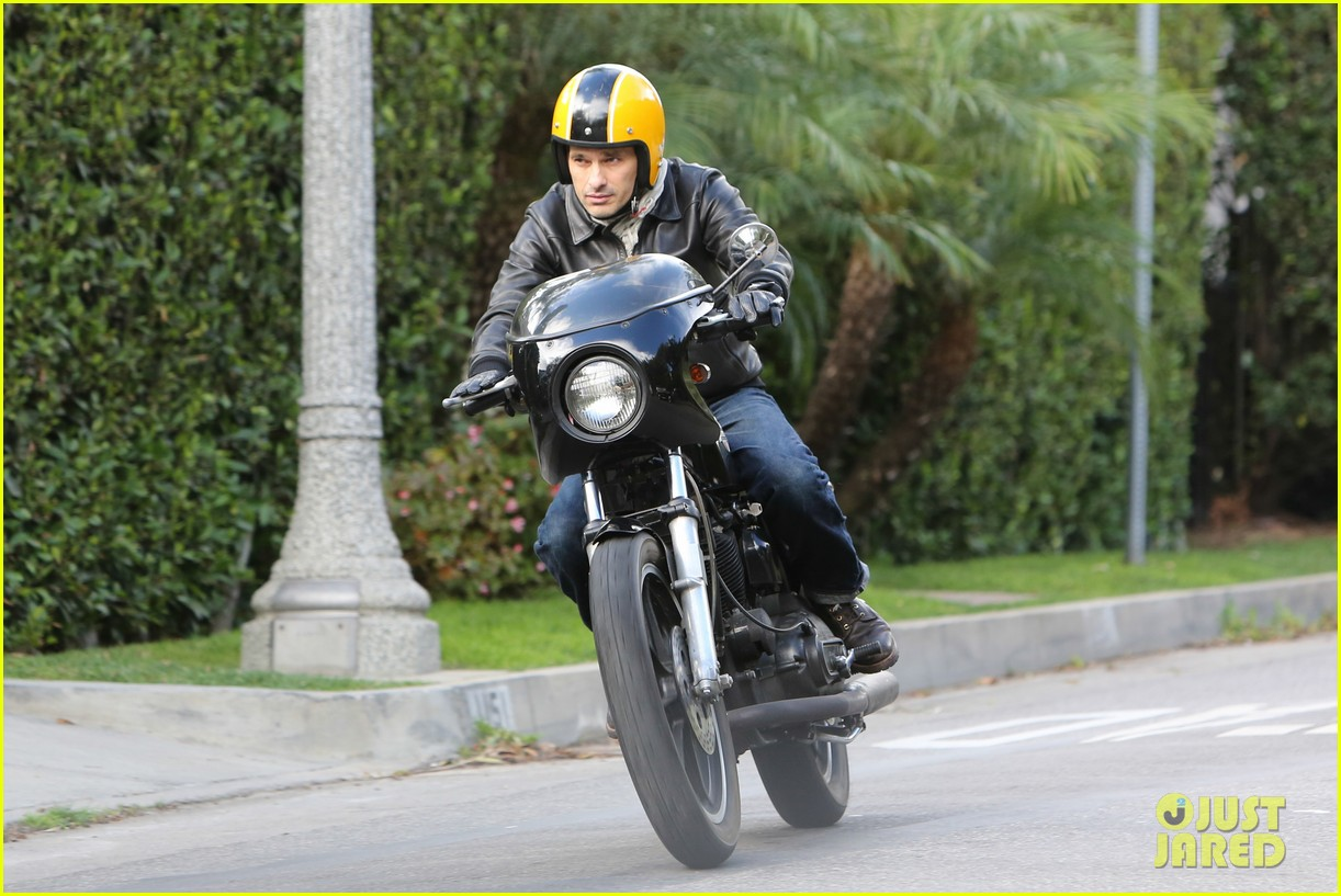 olivier martinez back on the road after minor fender bender 033001317