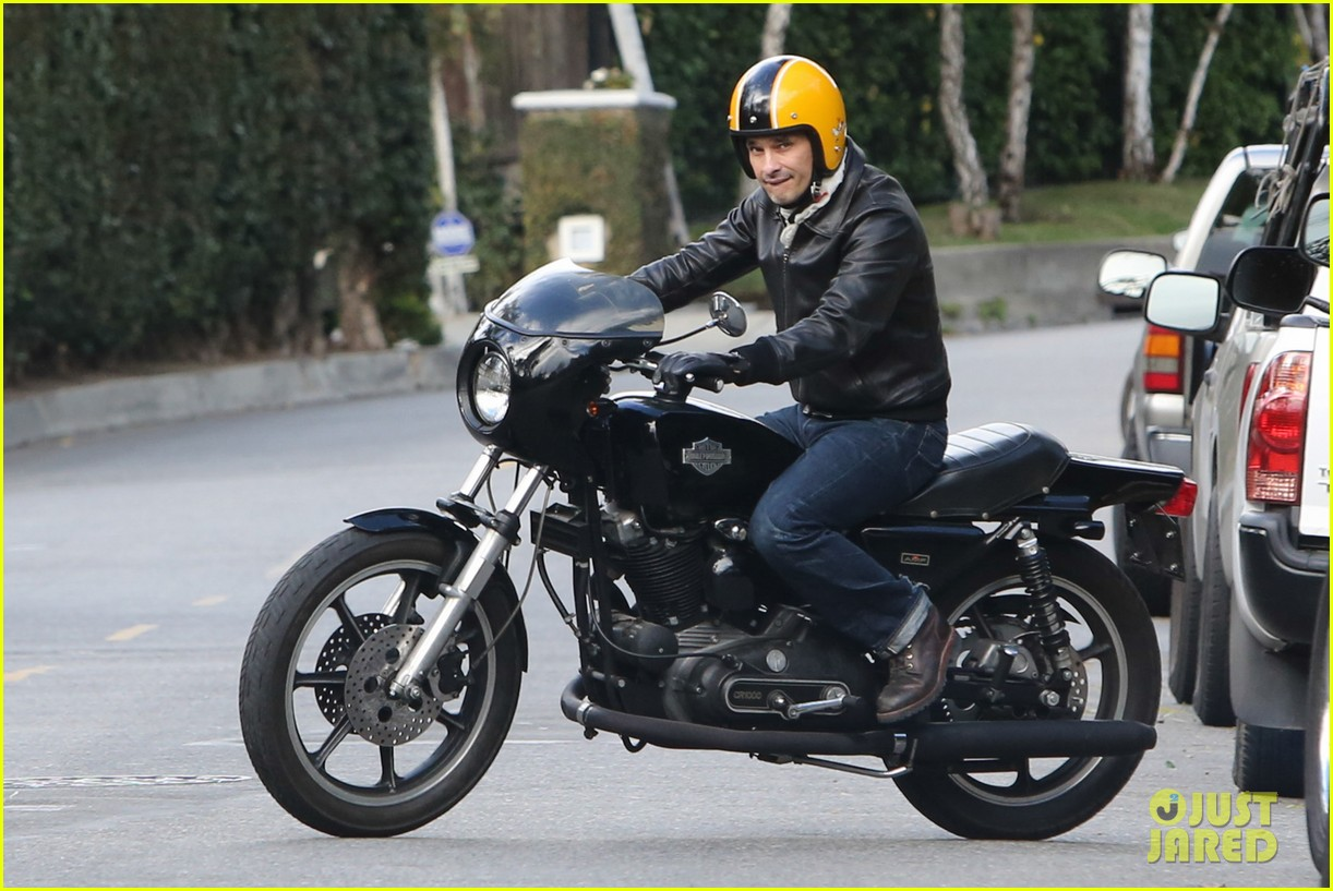 olivier martinez back on the road after minor fender bender 143001328