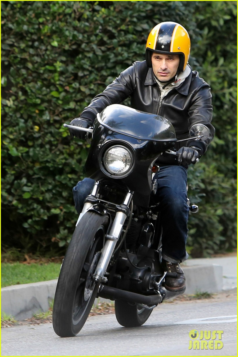 olivier martinez back on the road after minor fender bender 203001334