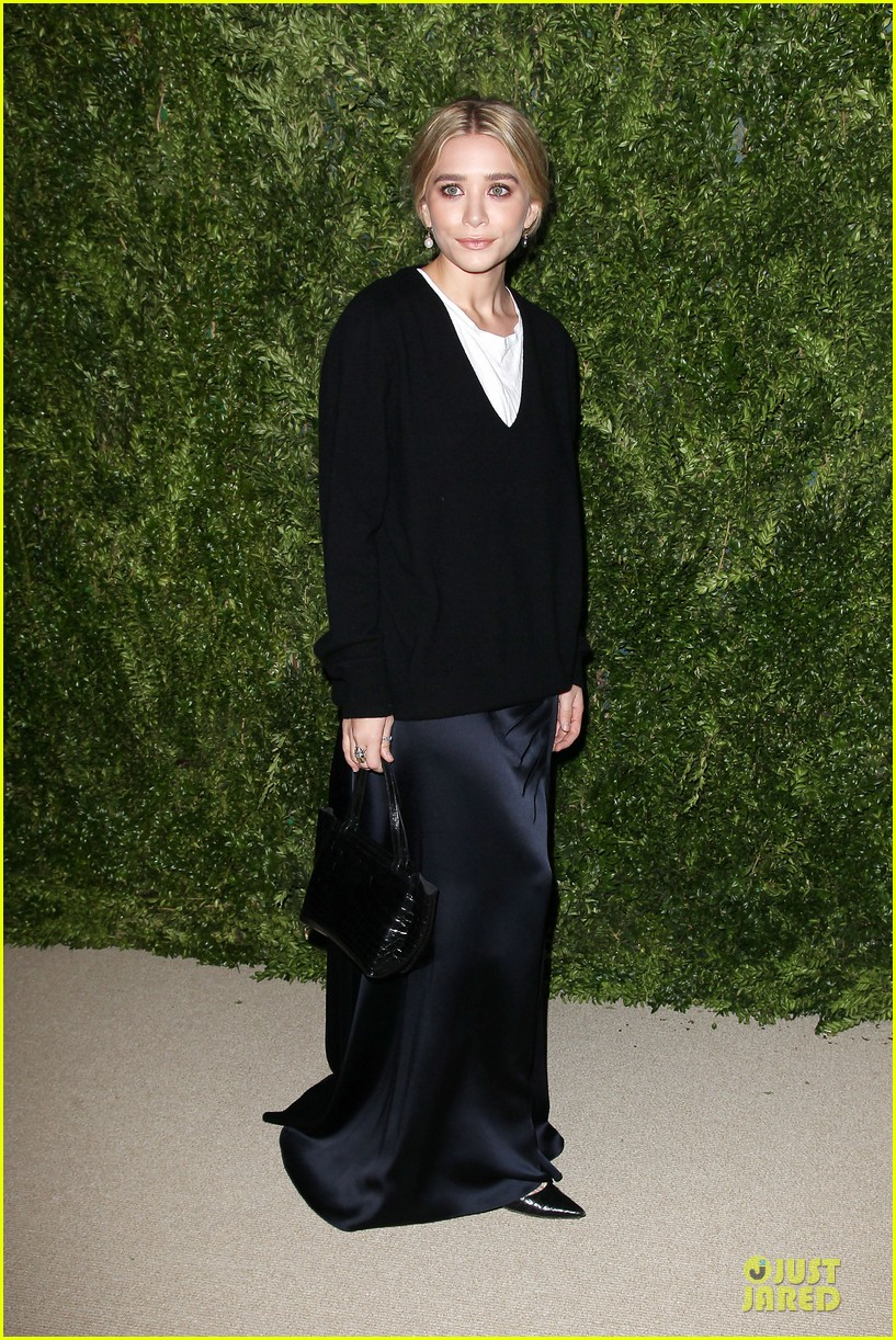 ashley olsen julianne moore cfda fashion fund finalists celebration 012990869