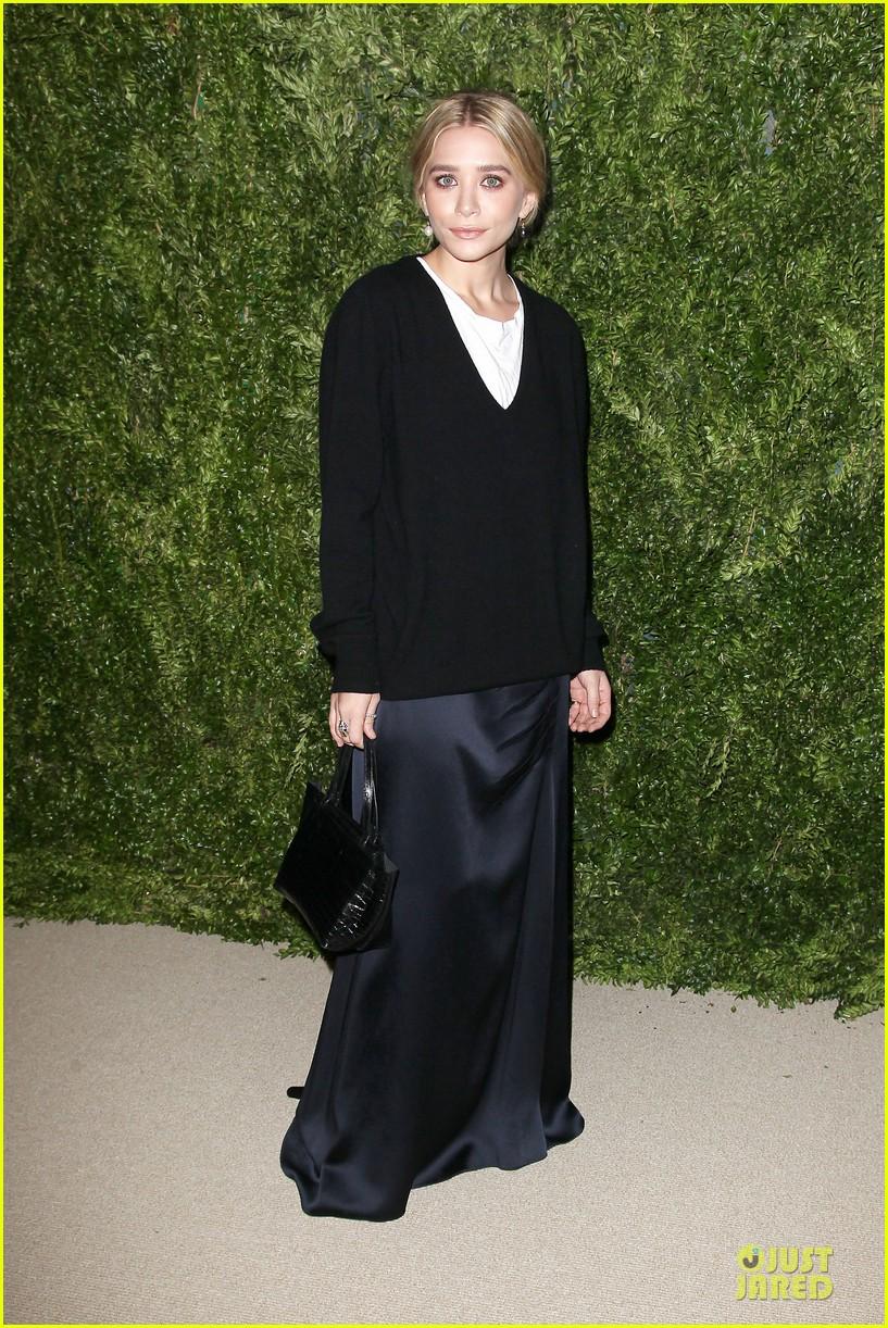 ashley olsen julianne moore cfda fashion fund finalists celebration 142990882