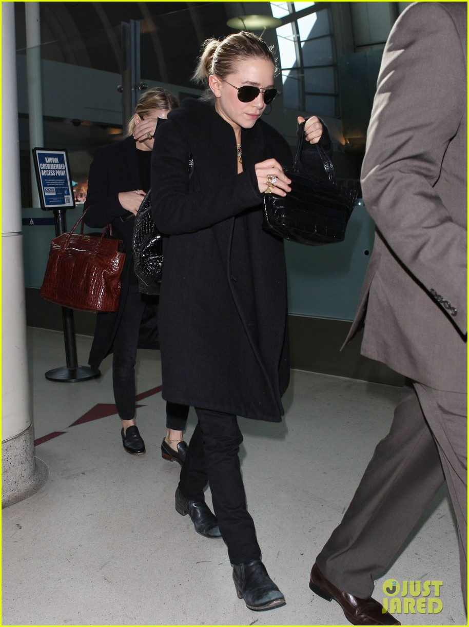 mary kate ashley olsen land at lax 052993228