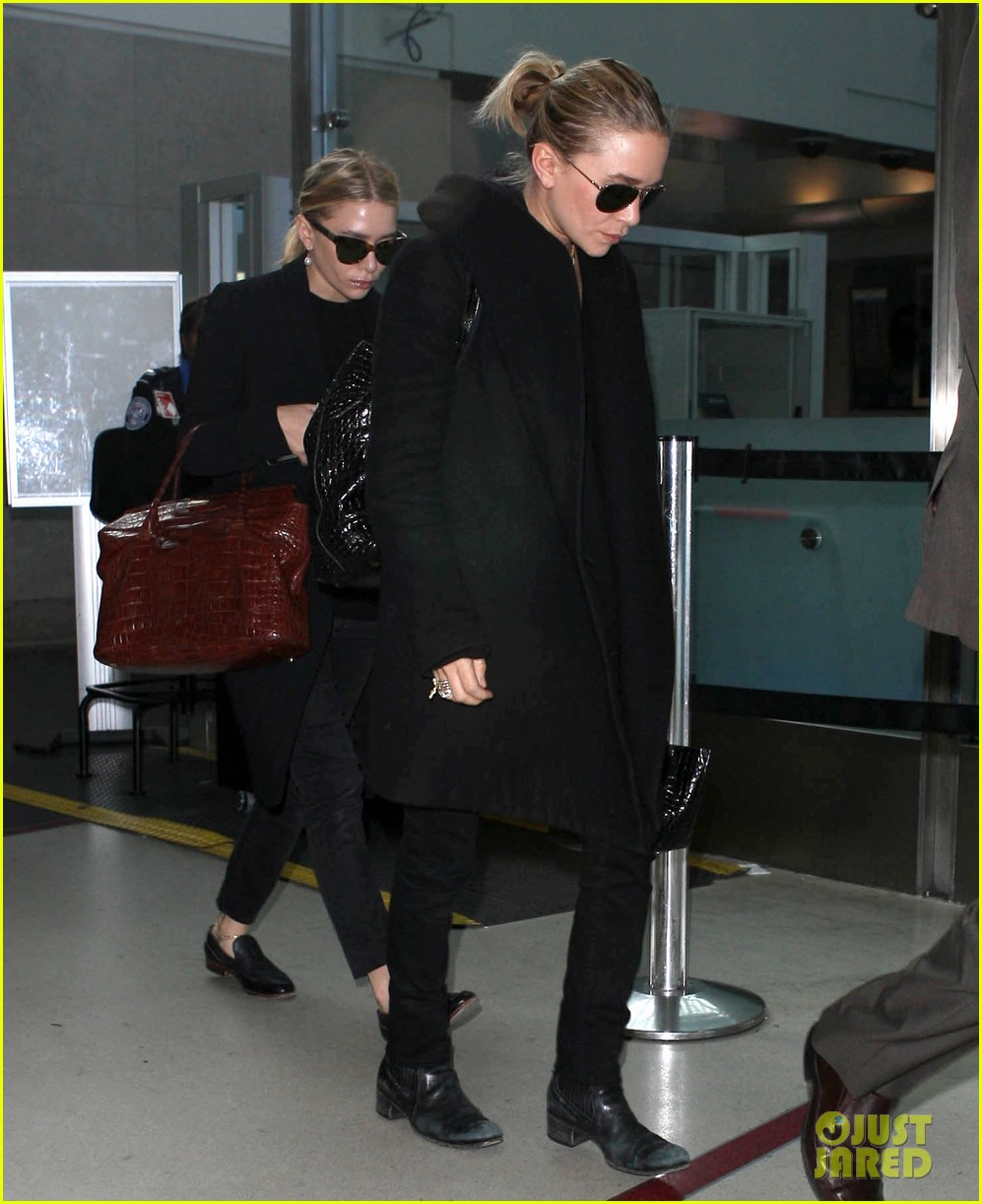 mary kate ashley olsen land at lax 072993230