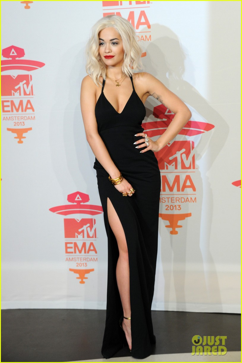 rita ora calvin harris mtv ema 2013 red carpet 062989938