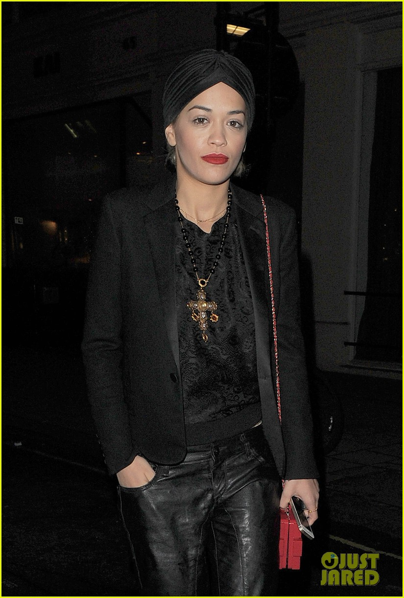 rita ora doesnt know what she would do without family 073002130