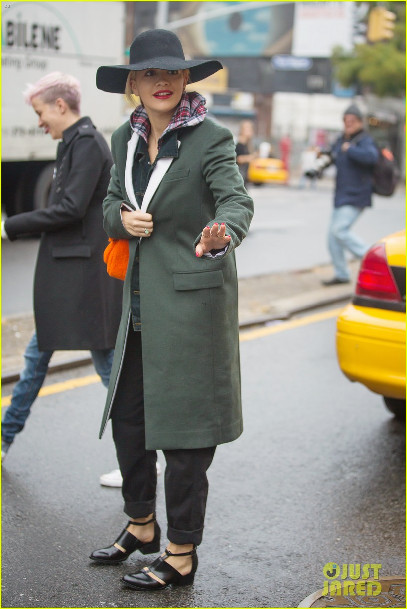 rita ora wears red wig for halloween in new york city 142983945