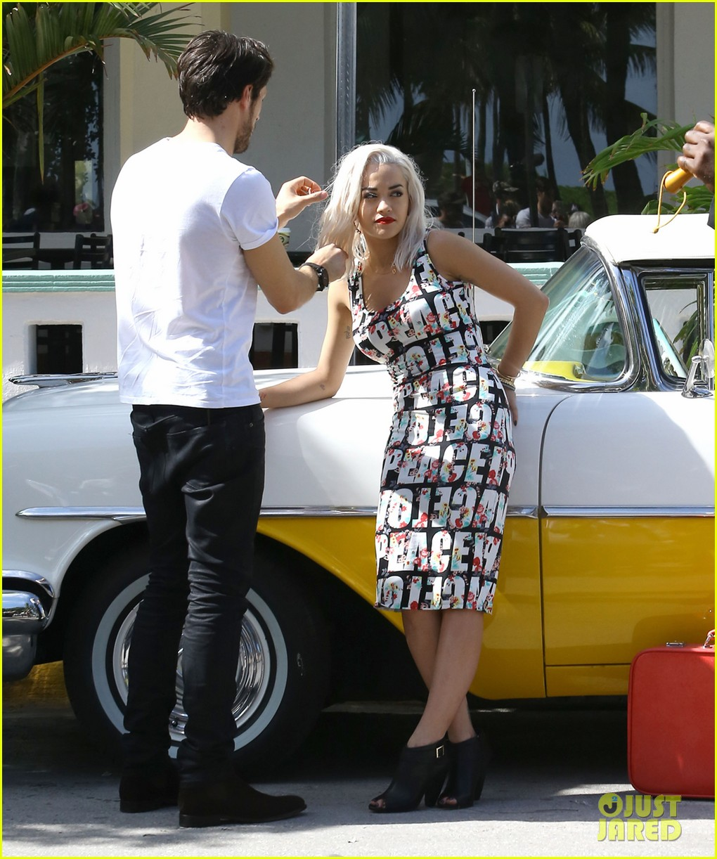 rita ora rushed to hospital during photo shoot in miami 07