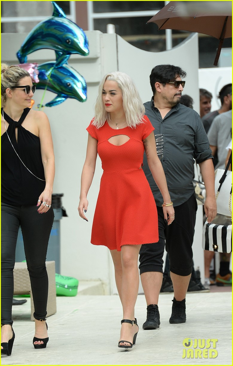 rita ora rushed to hospital during photo shoot in miami 232995476