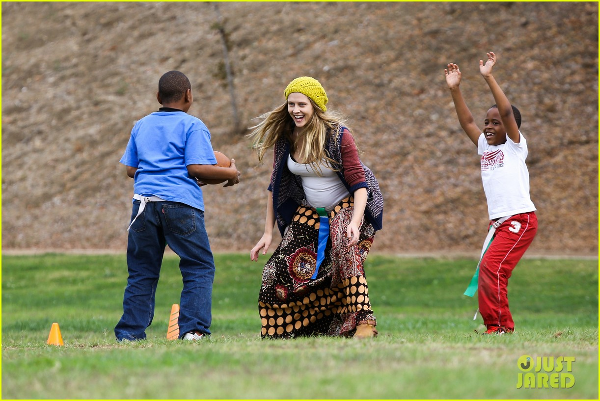 teresa palmer dives for ball during family football game 102998776