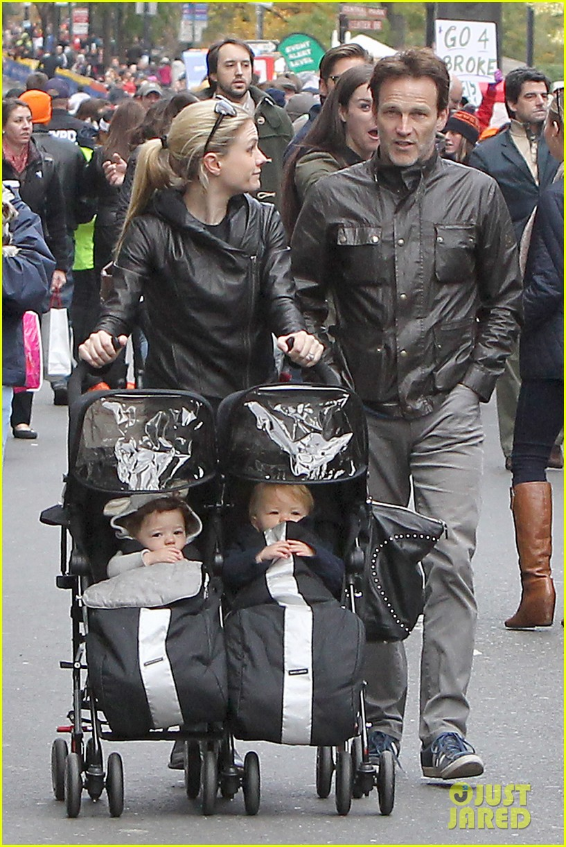 anna paquin stephen moyer check out nyc marathon 052986065
