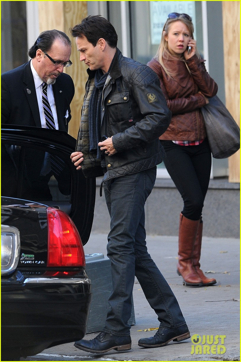 anna paquin stephen moyer big apple stroll with the twins 052990566
