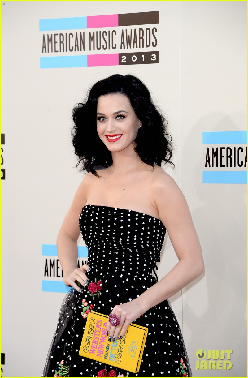 katy perry amas 2013 red carpet 022999198