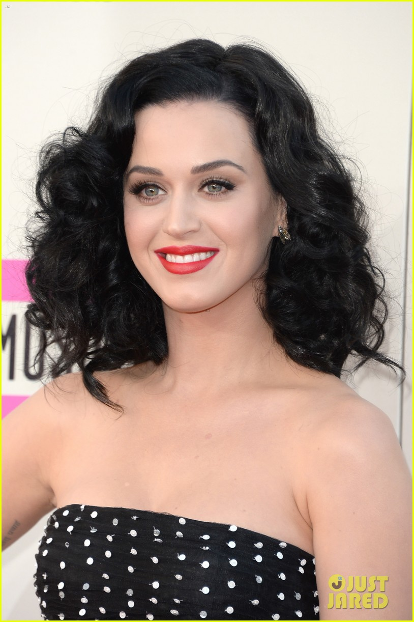 katy perry amas 2013 red carpet 04