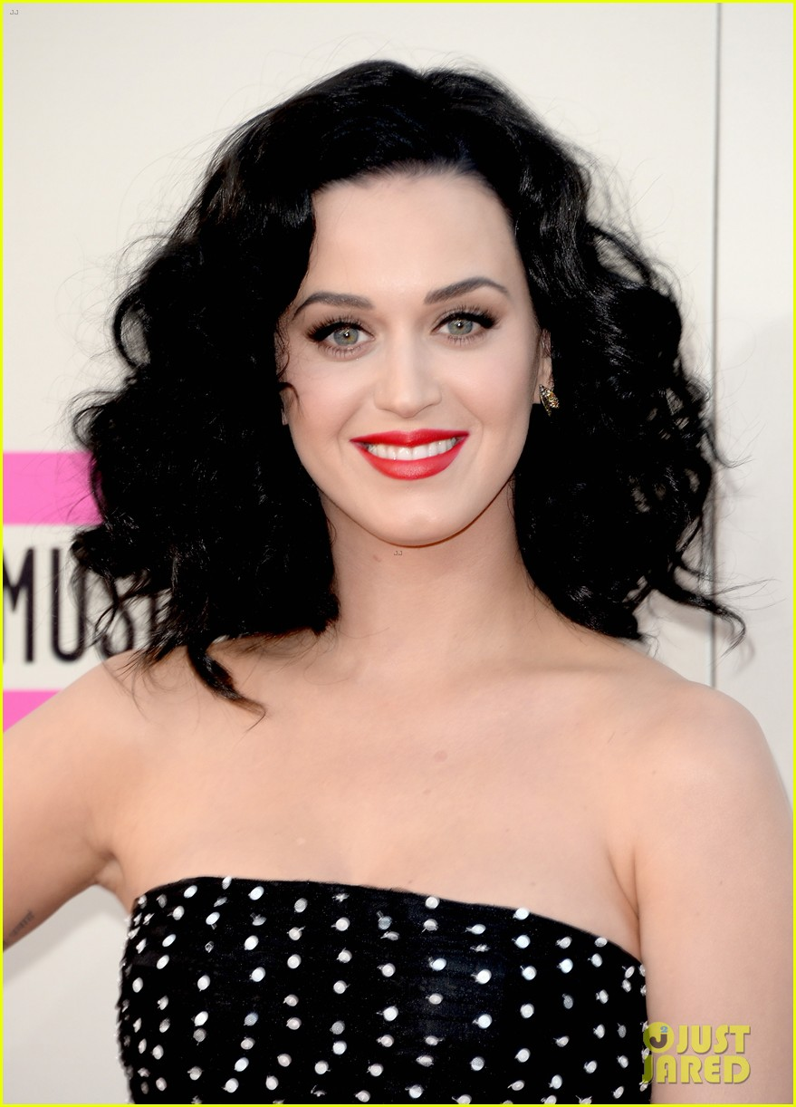katy perry amas 2013 red carpet 102999206