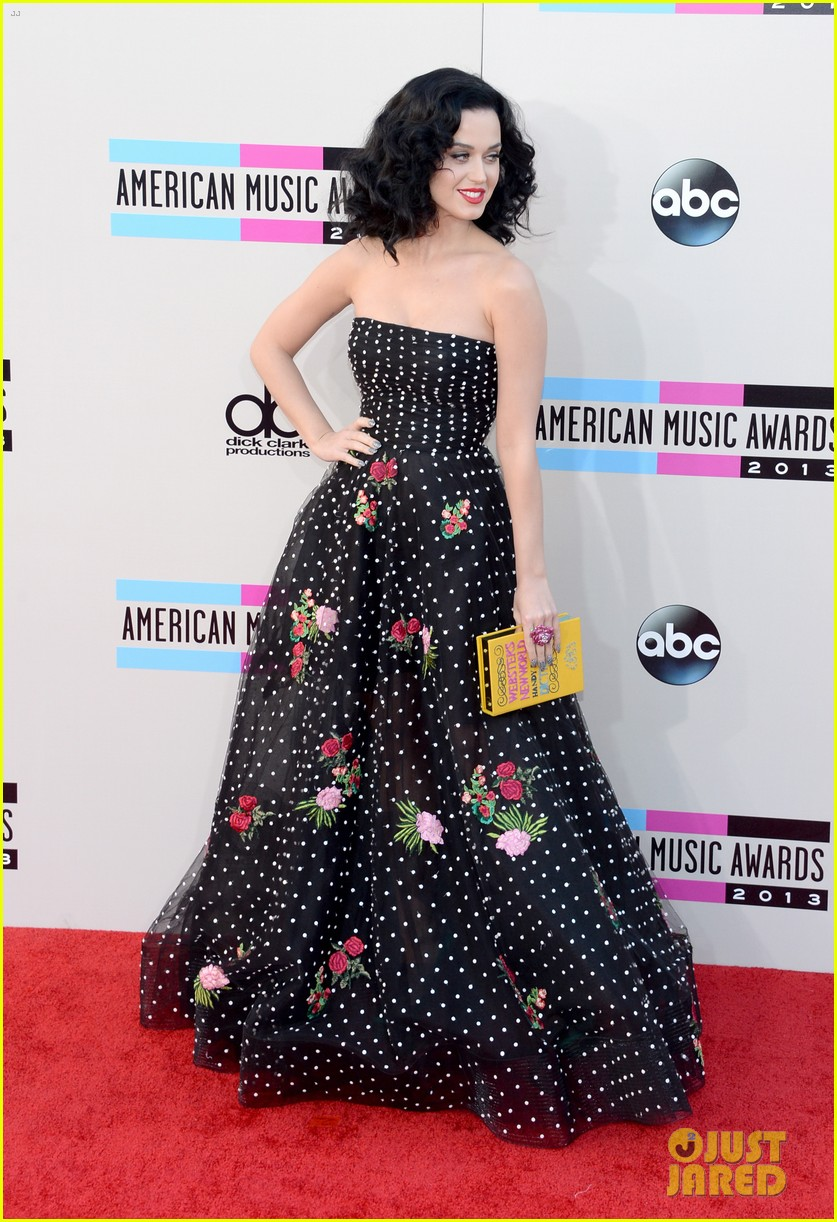 katy perry amas 2013 red carpet 122999208