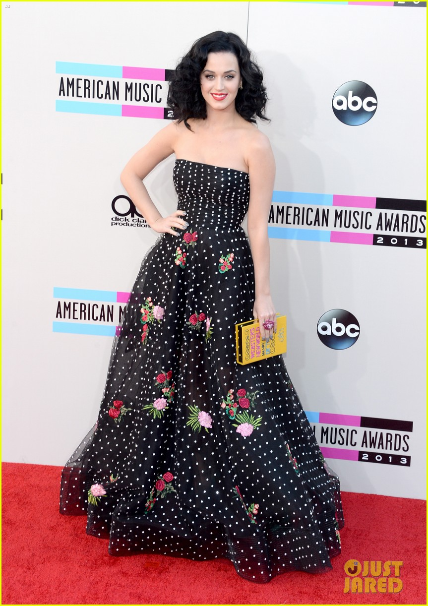 katy perry amas 2013 red carpet 182999214